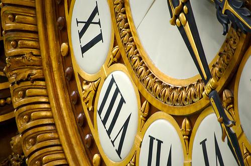 Vous savez où elle se trouve cette horloge?...