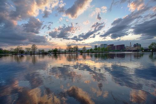 Chaque soleil qui se lève est un hymne à l'action.
