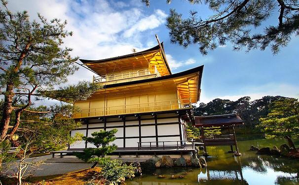 Le Kinkakuji ou temple d'or. Oui, c'est du vrai...