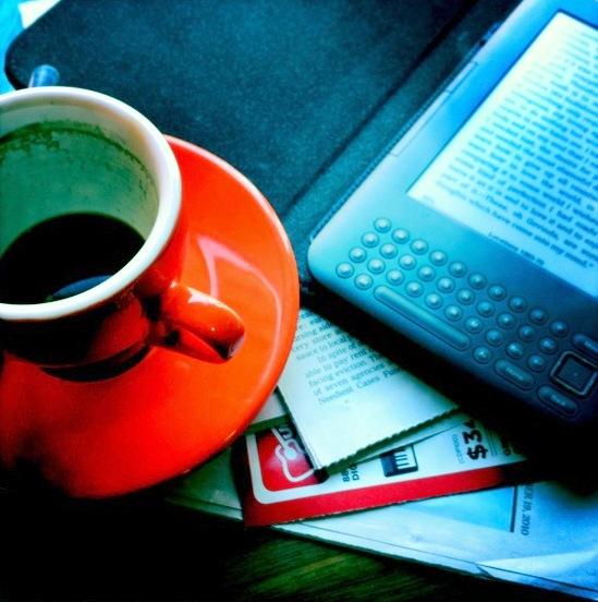 Un bon livre avec un bon café