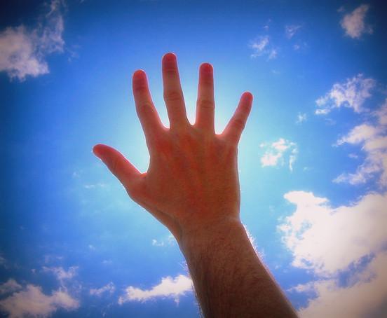 La main qui voulait être heureuse, comme Laurent Gounelle